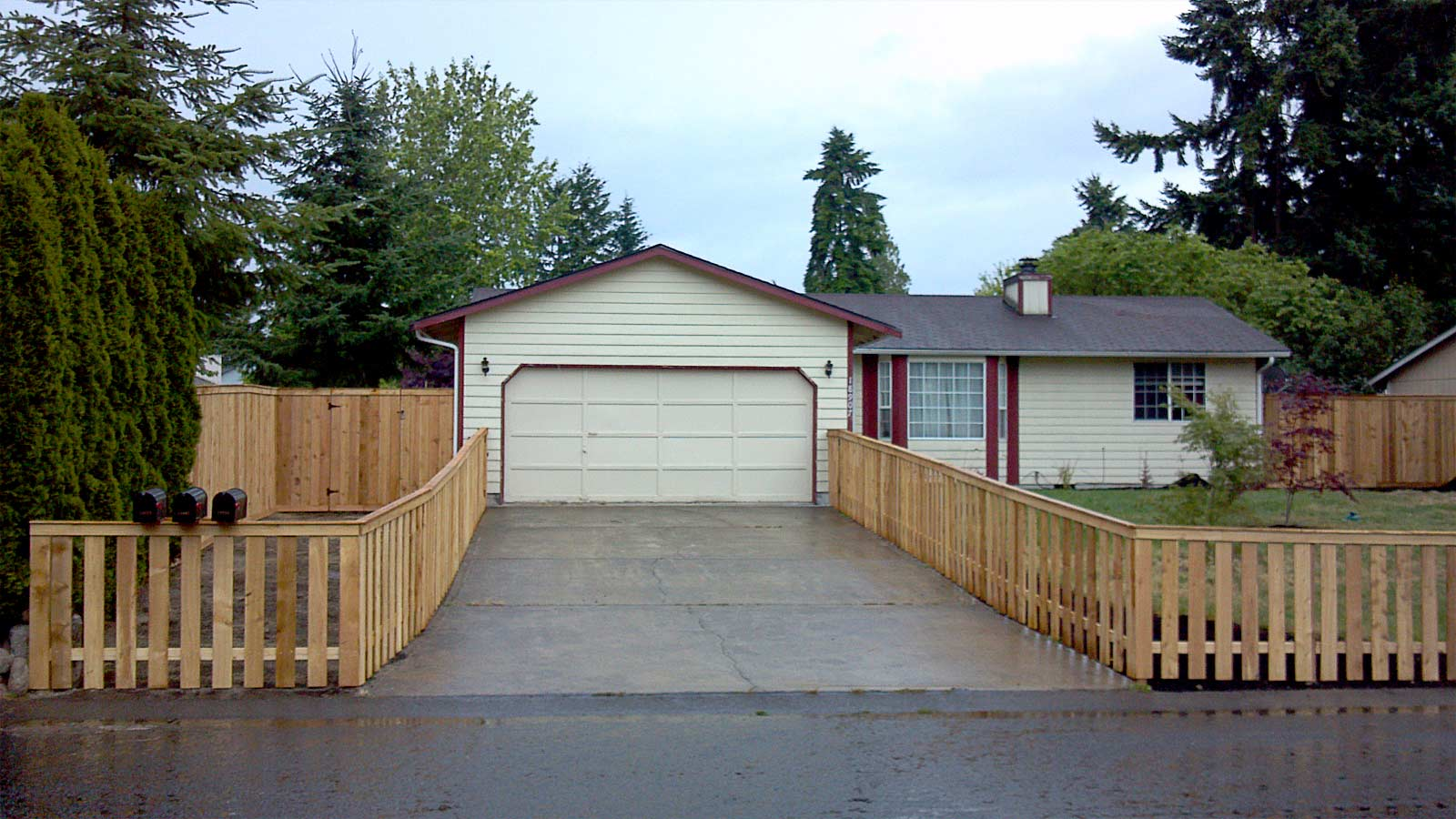 Quot Show Stopping Quot Cedar Picket Fence Ajb Landscaping Amp Fence